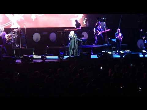 Stevie Nicks - greets crowd - if anyone falls perth arena nov 2nd 2017