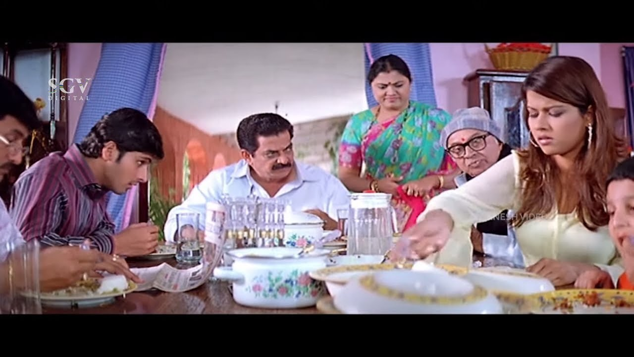 Sharmila Mandre Eating With Dhyan's Family | Comedy Scene | Avinash | Sajani Kannada Movie