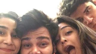 Love Khushi Ash And Nilesh Live 😊