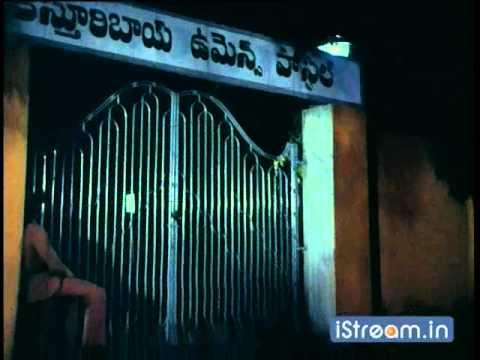 Aththaku Yamudu Ammayiki Mogudu: A drunken Chiru threatens Vijayashanthi!