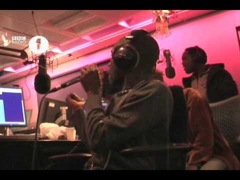 Tinchy Stryder does Rihanna karaoke (very Badly)