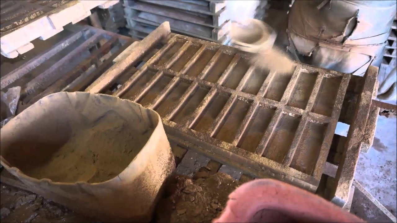 ez rocks how to make stone veneer bricks from concrete doovi. Black Bedroom Furniture Sets. Home Design Ideas