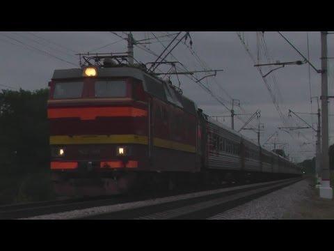 Электровоз ЧС2Т-991 с поездом №018 «Карелия»