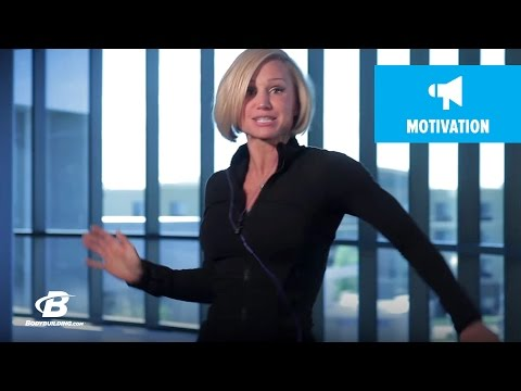 Jamie Eason Trainer Blooper – Bodybuilding.com