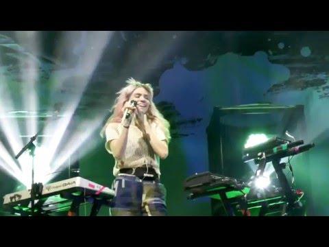 Grimes - Venus Fly LIVE HD (2016) Los Angles Shrine Expo Hall