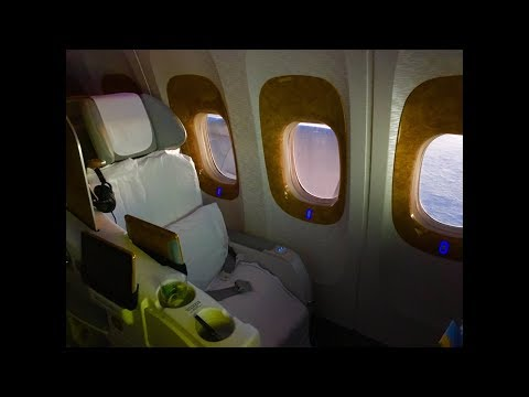 Delhi - Dubai, Emirates Business Class B777, amazing Indian food