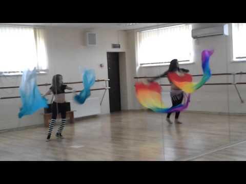 Маргарита Шейх Али с детской группой, танец с Веелами