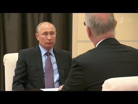 Владимир Путин встретился с главой Российского фонда прямых инвестиций Кириллом Дмитриевым.