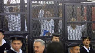 الحكم بالسجن المؤبد لبديع و35 من أنصار الأخوان في مصر