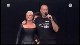 Trijntje Oosterhuis & Paskal Jakobsen - Let's Stay Together (Concert at Sea 2007) 1/6