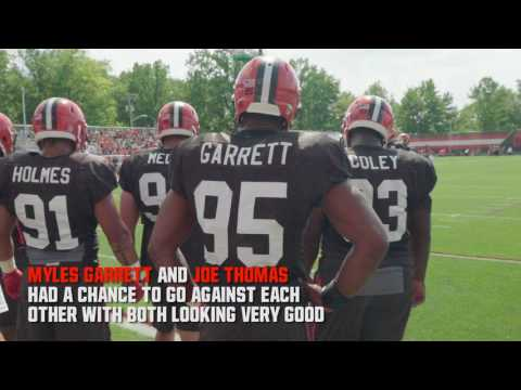 Browns Huddle: Bruce Smith visits practice