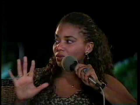 Margareth Menezes - Entrevista [Trecho] - TV Manchete 1993