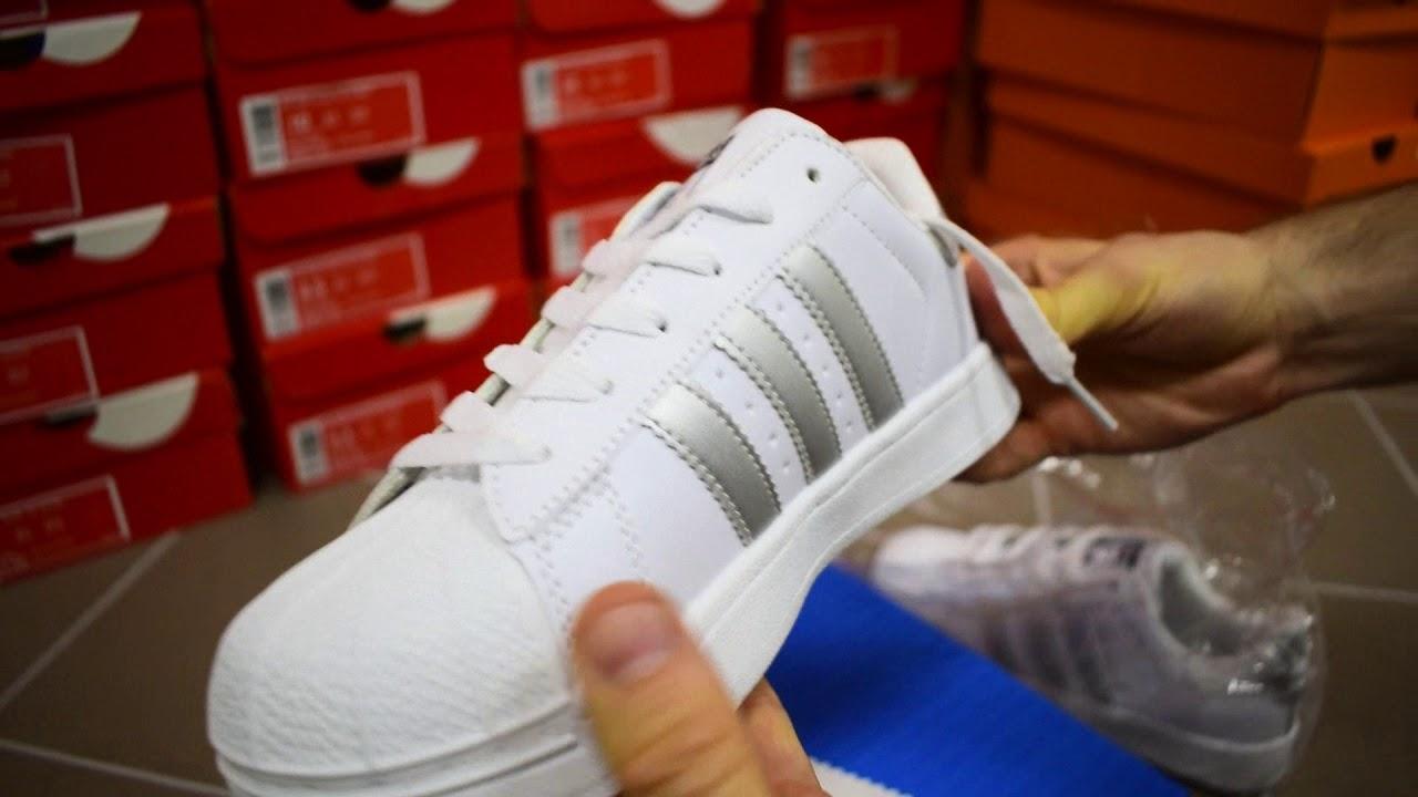 Фирменные кроссовки для женщин в официальном интернет магазине. Большой выбор цветов и моделей по лучшей цене. Доставка по россии.