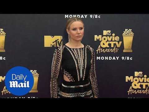 Kristen Bell dazzles in metal and lace dress on MTV red carpet - Daily Mail