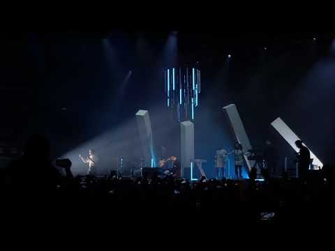 Hurts - Wonderful life (Live in Moscow...