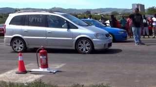vuclip Opel Zafira OPC vs Nissan Sentra 200STi at Isithebe Drags