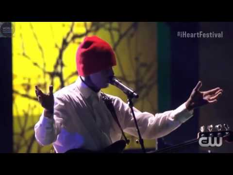 twenty one pilots  Stressed Out Live...