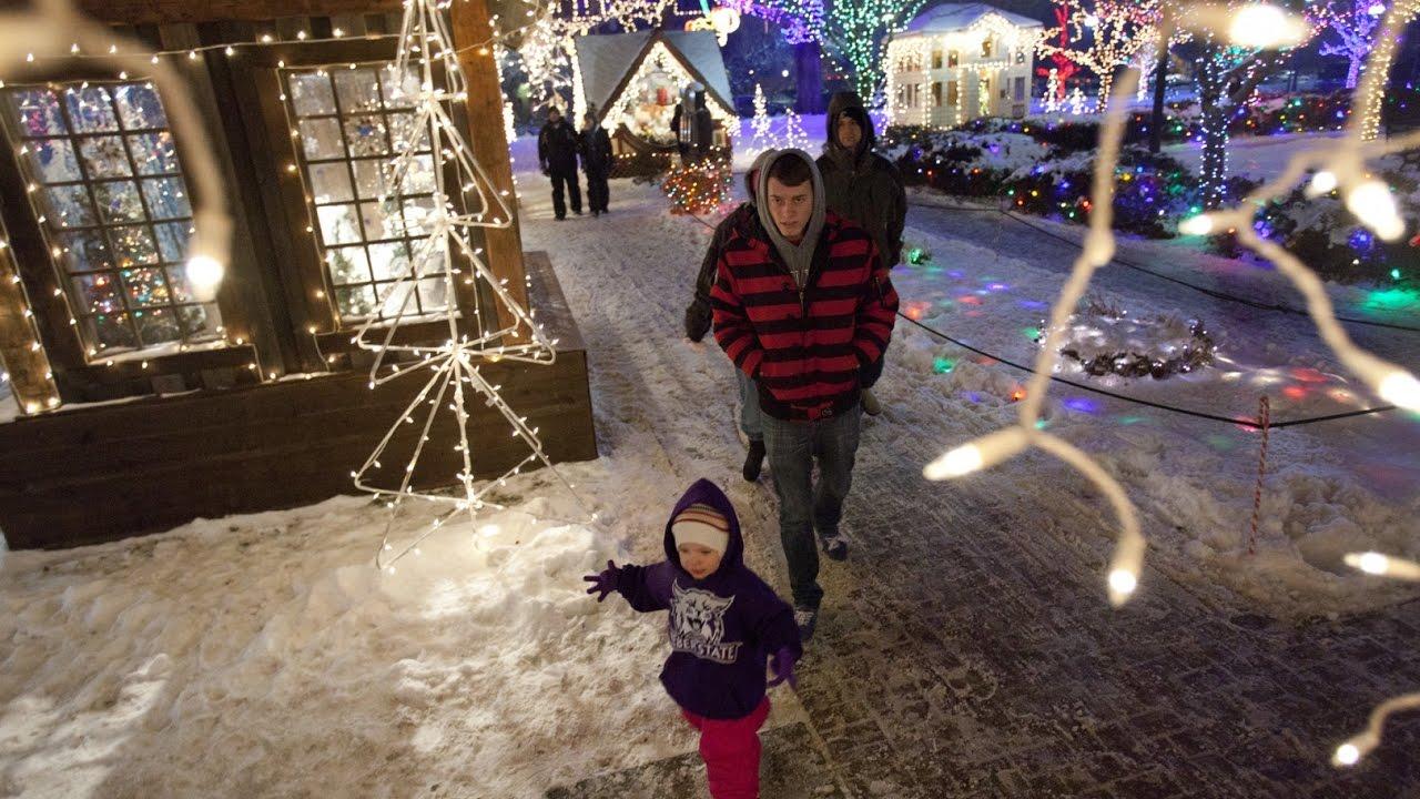 360 Video: A virtual tour of Ogden\'s Christmas Village - YouTube