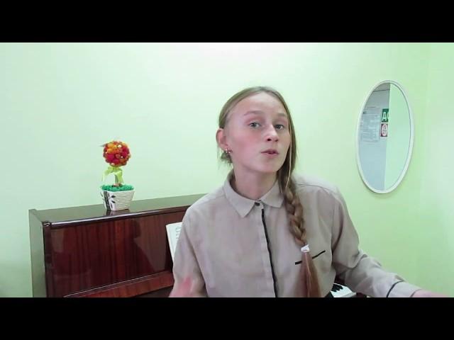 Изображение предпросмотра прочтения – ВикторияСавинова читает произведение «Подарки лета» (Орлов Владимир)