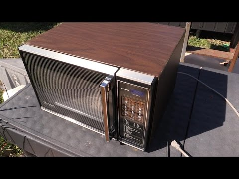What's Inside a vintage working Kenmore microwave from 1983