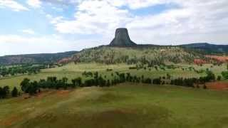 HD Drone video of Devils Tower WY(2015 HD Drone video of Devils Tower like you have never seen before., 2015-08-06T15:44:42.000Z)
