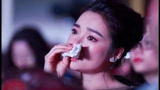 Nhã Phương lau nước mắt nước mũi khi PV hỏi về
