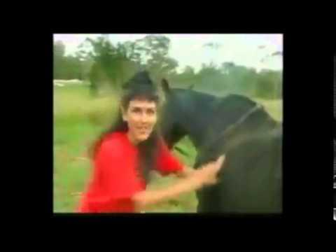 فتاة تمارسل الرذيلة والعياذ بالله مع حصان -18- don´t play with a horse thumbnail