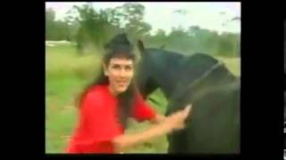Download Video فتاة تمارسل الرذيلة والعياذ بالله مع حصان -18- don´t play with a horse MP3 3GP MP4