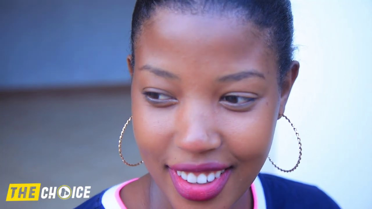 AZI KUNYONGA IGARE NA 2 YABEKA UMUKOBWA WAGARAGAYE MURI VIDEO YA MICO TWAMUGANIRIJE TWUMIWE ARANYONG