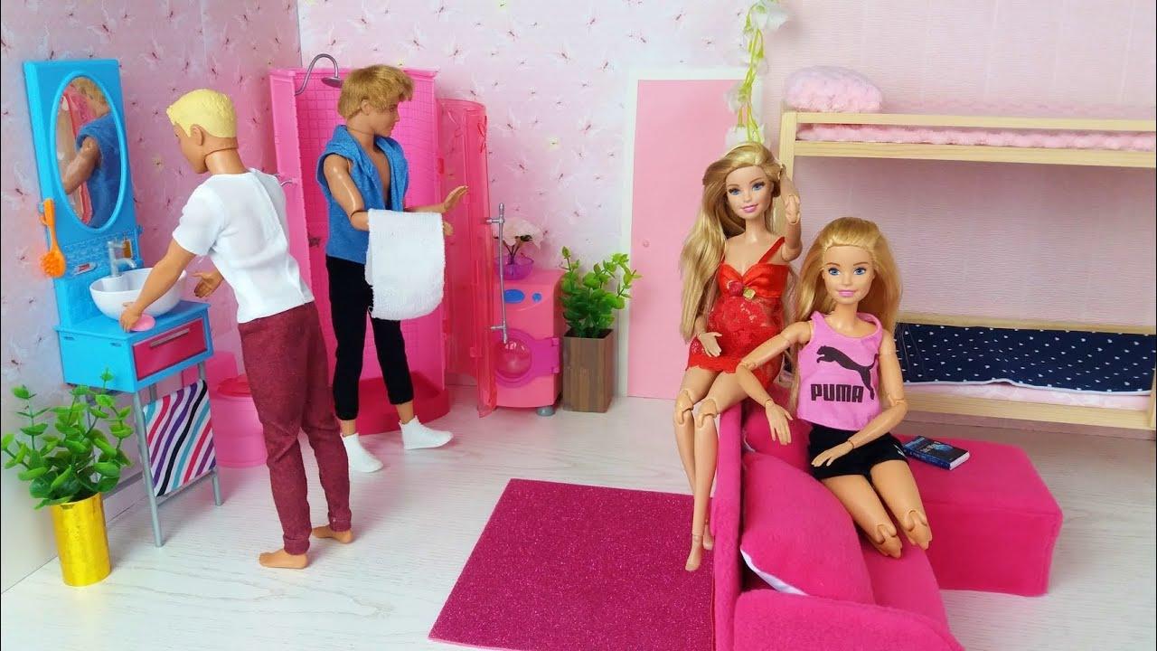 Барби трахается за деньги