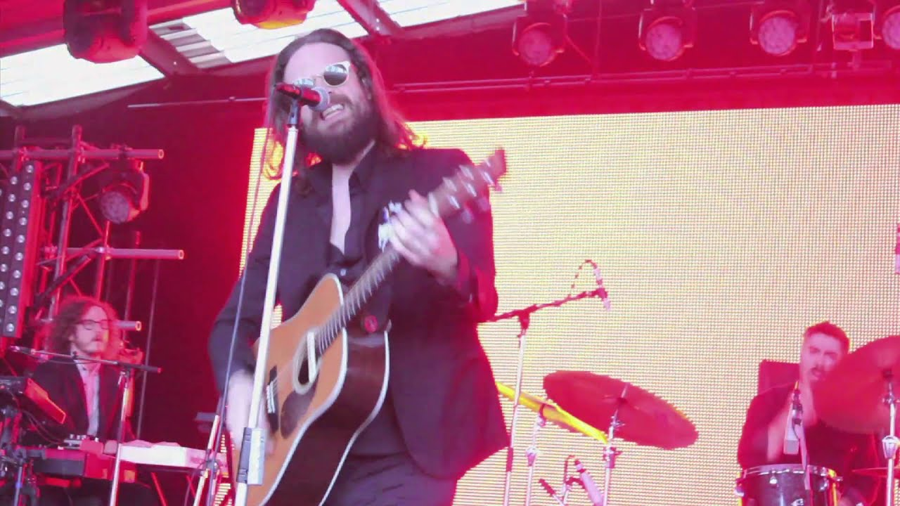 father-john-misty-live-at-the-meredith-music-festival-2015-rdonner2