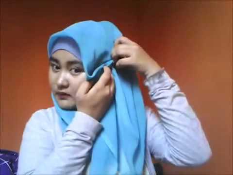 Cara Memakai jilbab segi empat untuk wajah bulat | FunnyDog.TV