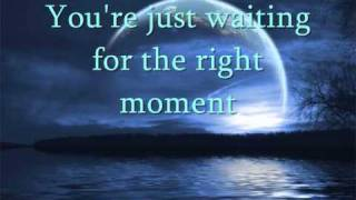 Watch Gerry Rafferty The Right Moment video