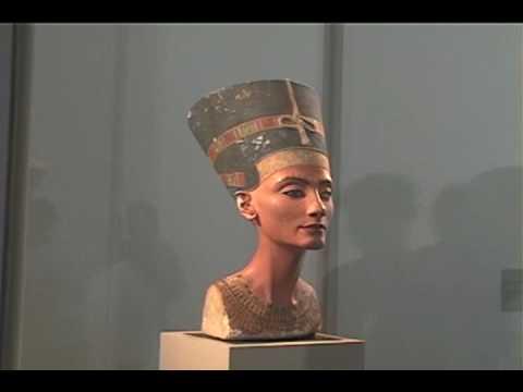 bust of queen nefertiti analysis