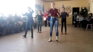 Танець 7 класу на 8 березня