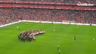 40.000 personas cantan 'lau teilatu' en san mamés