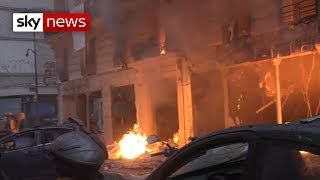Bakery deaths fail to stop Paris protests