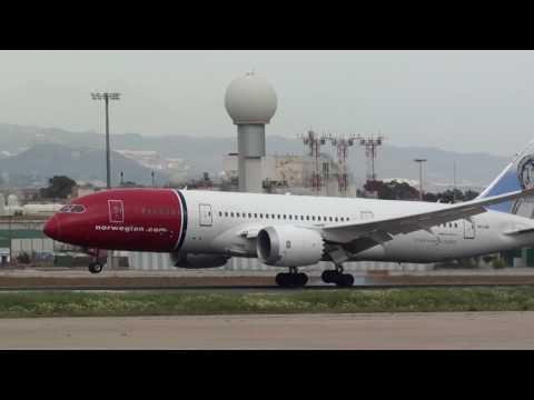 Norwegian Boeing 787-800 Dreamliner LN-LNE Landing Malaga LEMG