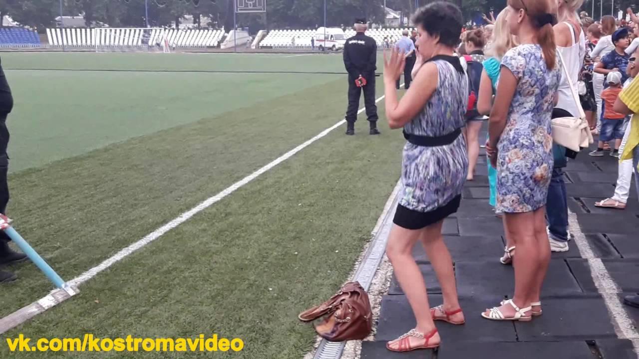 Мужик тетка в комбинации видео необычное русское