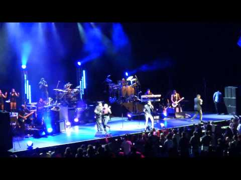 The Jacksons - Blame It On The Boogie (Perth) 14/03/2013