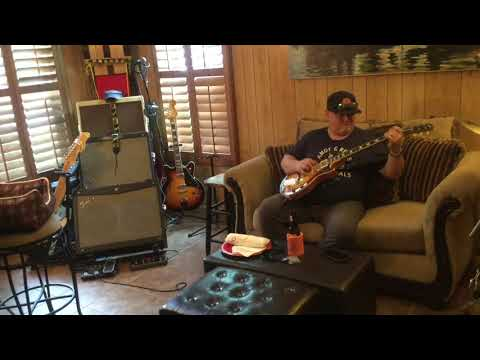 59 Gibson Les Paul with Fender Mustang IV digital amp