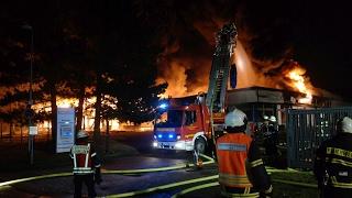 Großbrand in Fabrik in Bergshausen: Wohl zwei Millionen Euro Schaden