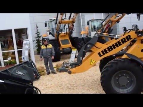 Liebherr L506 Compact wheel loader attachment change