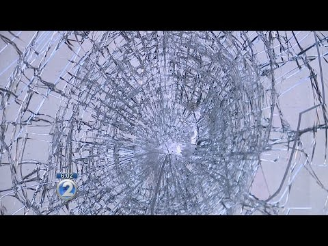Bus attacked with golf club in Pearl City