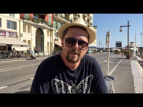 Les Champs Elysees + English Subtitles
