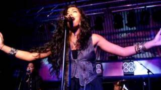 Melanie Fiona - Monday Morning (live)