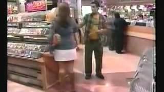 Diana ve a Braulio en el centro comercial