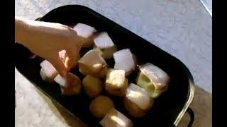 Картопля запечена з салом. /  Картофель запеченный с салом.