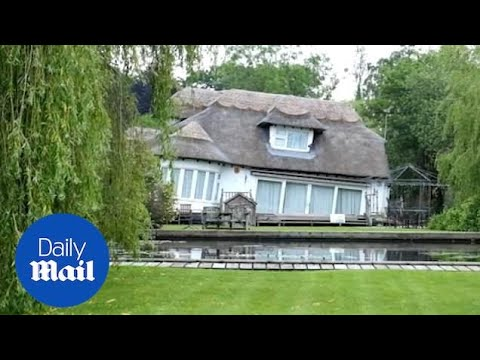 Stunning cottage on Norfolk Broads seen SINKING by river