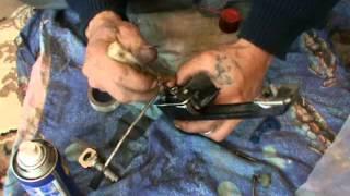 показано как правильно заменить замок двери ВАЗ